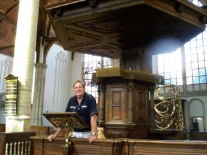 ds. P. van Veen uit Vriezenveen in de Oude Kerk te Amsterdam